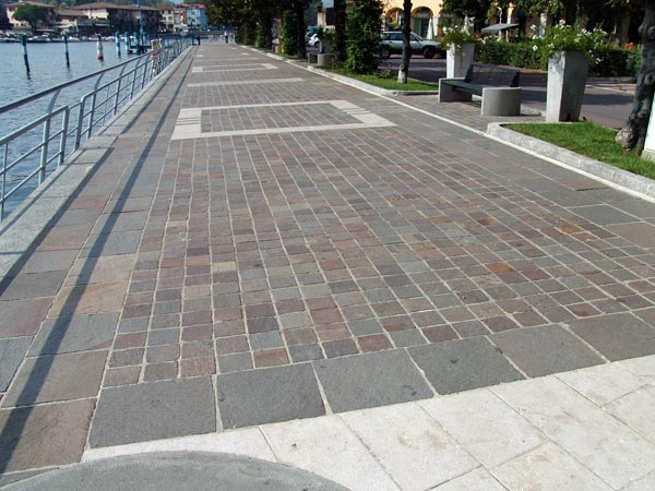 Preventivi-realizzazione-pavimenti-per-esterni-Reggio-Emilia