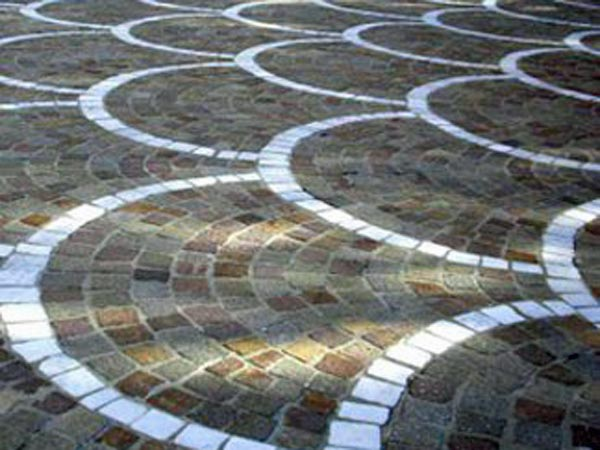 Realizzazione-pavimenti-esterni-in-porfido-Reggio-Emilia